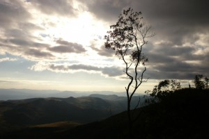 A Serra do Gandarela é um importante aquífero que pode vir a secar se a mineração na região começar. Isso pode afetar diretamente o abastecimento de água de milhares de pessoas