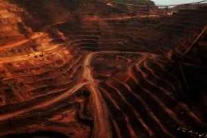 Mina de minério de ferro, localizada dentro da Floresta Nacional de Carajás, no Para.