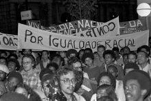Manifestação do dia da Consciência Negra (20/11) -  Praça Ramos - 1979/ Foto: Ennio Braus